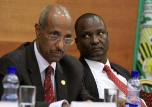 "IGAD chief mediator Seyoum Mesfin (L) pursuing ""regime change"" on behalf of US, UK and Norway"