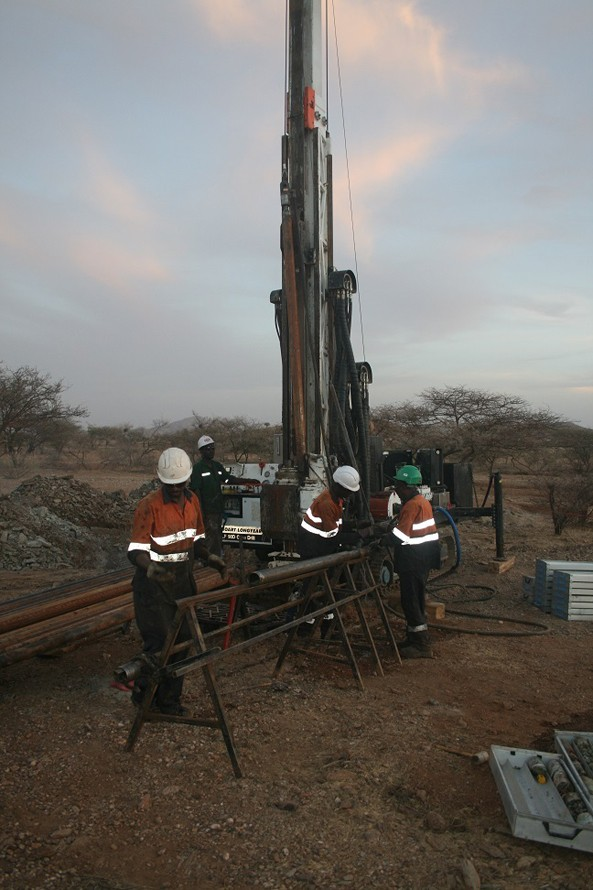 Colonnade Drilling's drill crew using a wireline to recover the core barrel from hole YDD-036 at Jacob Dewar