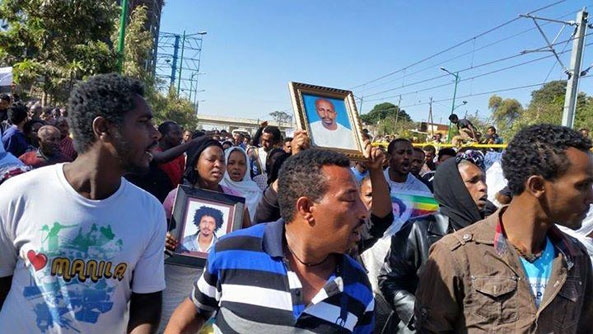 Grief-Stricken Ethiopians Take Their Anger to the Streets Over ISIS Killings (VIDEO)