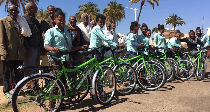 Eritrean Students Receive 708 Bicycles from Qhubeka
