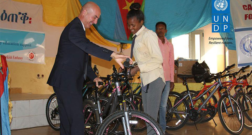 Turkish Embassy in Asmara Donated Bicycles to High School Students