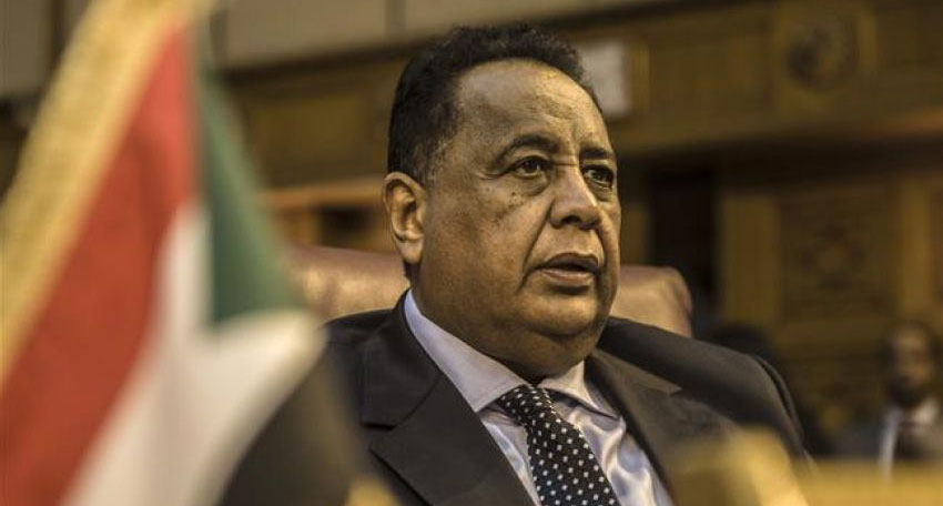 Sudan Foreign Minister Ibrahim Ghandour withdrew his resignation after mediation
