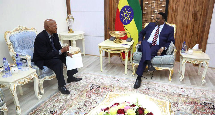 Ethiopian FM receive credentials of new Eritrea Ambassador Semere Russom