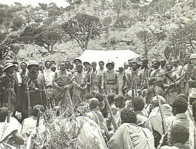 Seyoum Mengesha with his soldiers