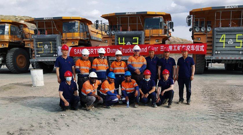SRT95C dump trucks at the Bish mine